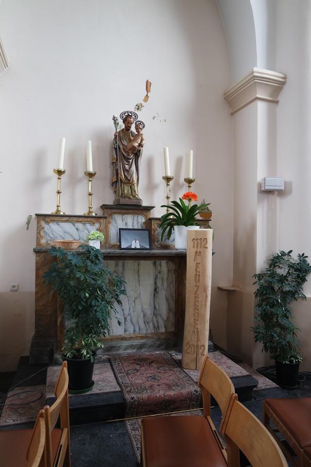 kerk Meusegem