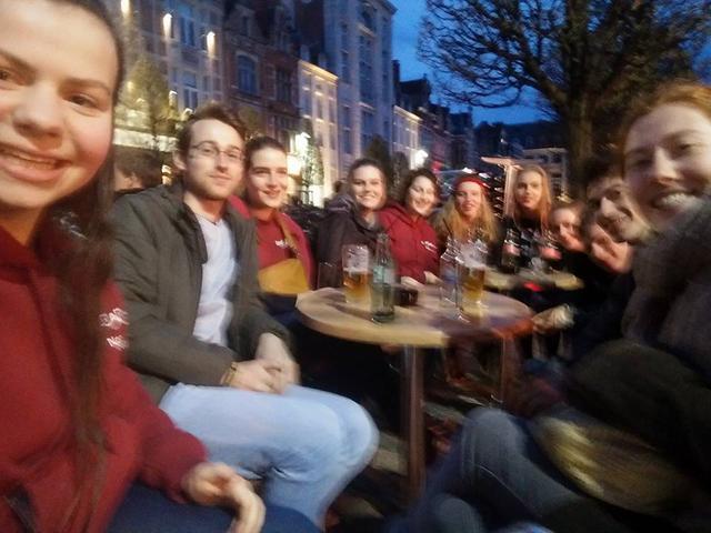 Samen drinken in Leuven.jpg