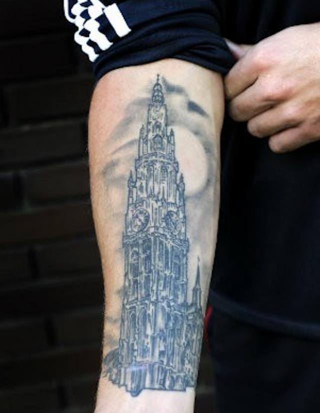 De tatoeage van Alderweireld. © rr