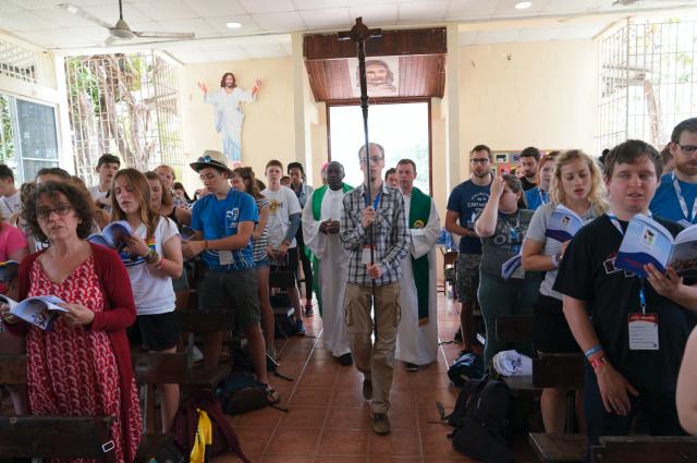 In een parochiekerk in Chilibre namen de jongeren actief deel aan de vieringen. © Koen Van den Bossche