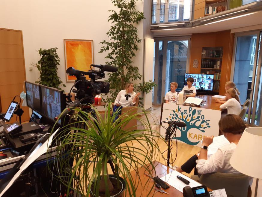 De bureau van bisschop Lode werd omgevormd tot een streamingstudio © Severine Verhulst