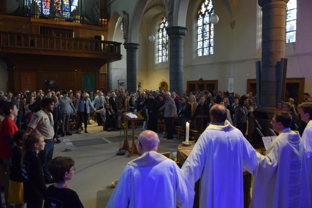 Eucharistieviering in de Kortrijkse Sint-Michielskerk ter gelegenheid van 25 jaar Sint-Michielsbeweging © Sint-Michielsbeweging
