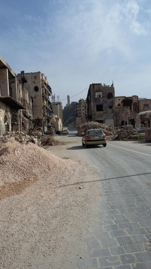 Mgr. Bonny is onder de indruk van de verwoesting in Syrië. © mgr. Johan Bonny