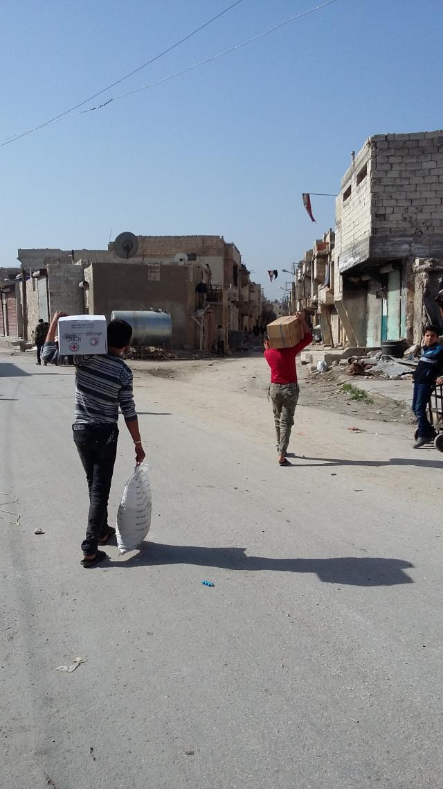 Verdeling van hulpmiddelen in Aleppo. © mgr. Johan Bonny