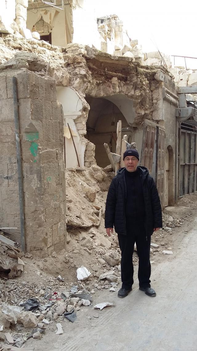 Mgr. Bonny is onder de indruk van de verwoesting in Aleppo. © mgr. Johan Bonny