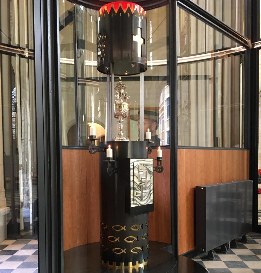 Het nieuwe tabernakel van interieurarchitect Hay Verhey in de Leuvense Sint-Pieterskerk © HV