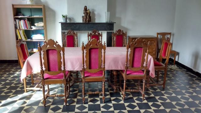 Onze grote tafel in de vergaderzaal