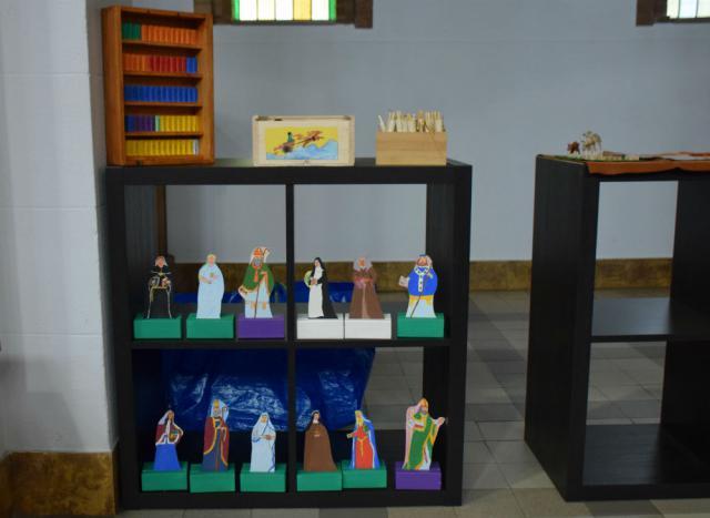 Godly Play vertelmateriaal van heiligen en van de boeken van de Bijbel © Hilde Pex