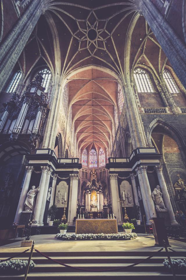 Altaar Sint-Baafskathedraal © Bisdom Gent, foto: Daina De Saedeleer