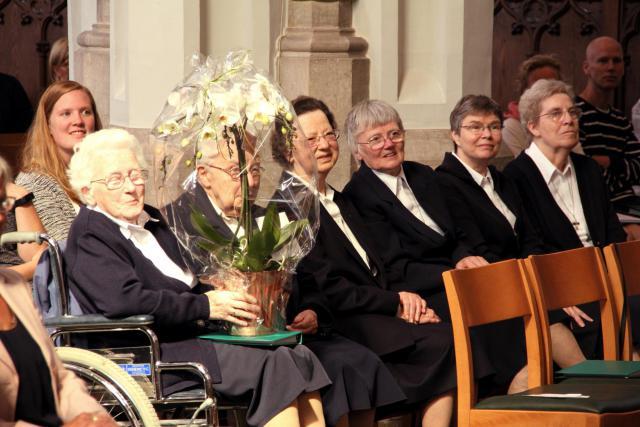 De vier zusters van het Convent van Betlehem in Ranst met algemeen overste Yvonne De Gryse (tweede van rechts)  © Bart Verhaegen