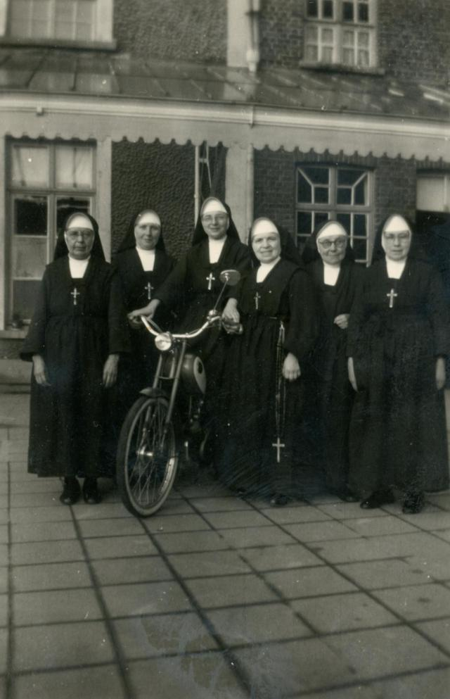 Foto uit het archief van de zusters maricolen van Deinze. Tentoonstelling Deo Gratias © Mudel