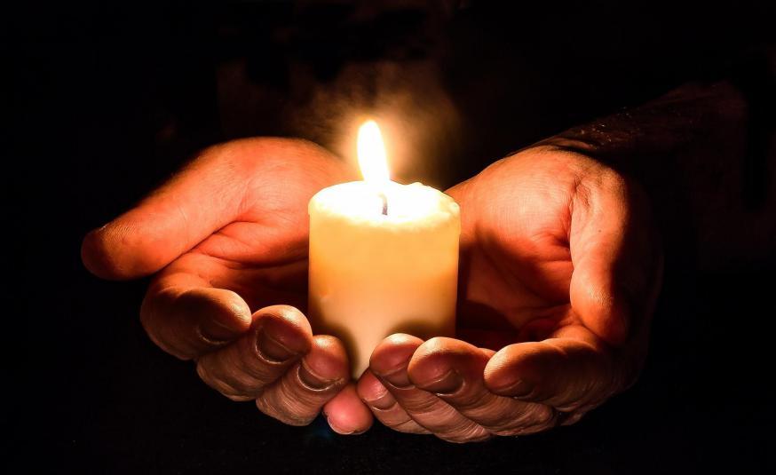 Verbonden in gebed. © Pexels.com