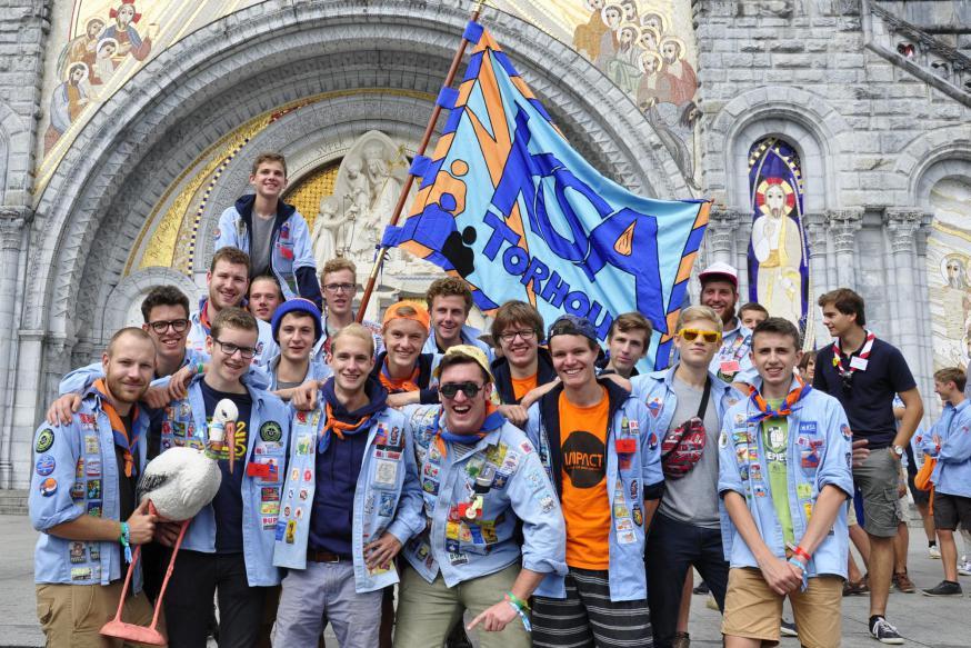 Enkele KSA'ers in Lourdes in 2016 © KSA Noordzeegouw