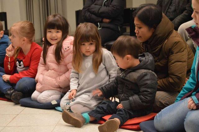 Kinderen bidden voor zieke kinderen © Joris Vermeulen