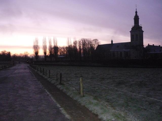 Op weg naar het ochtendgebed... ('08 - Parkabdij Leuven)