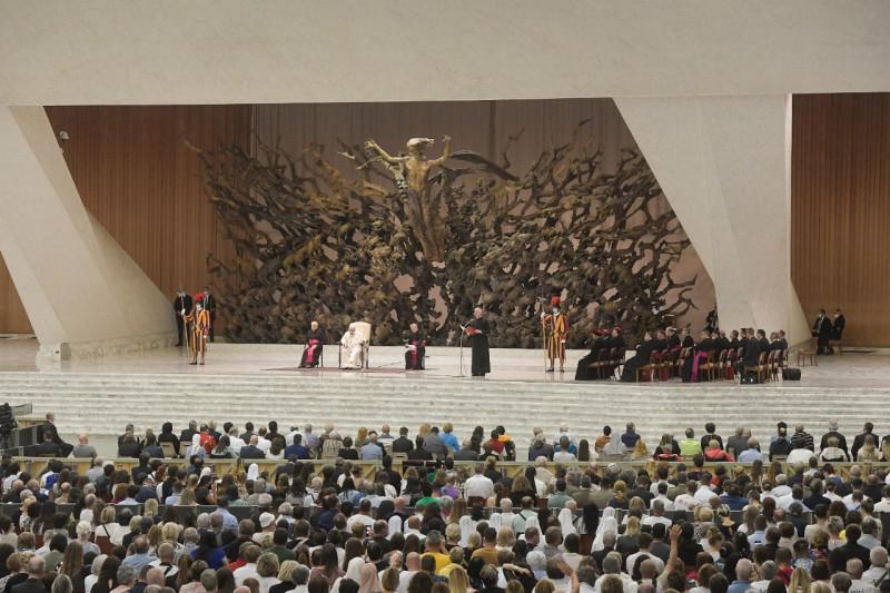 De delegatie van Zuid-Franse bisschoppen woonde woensdag ook de audiëntie bij © Vatican Media