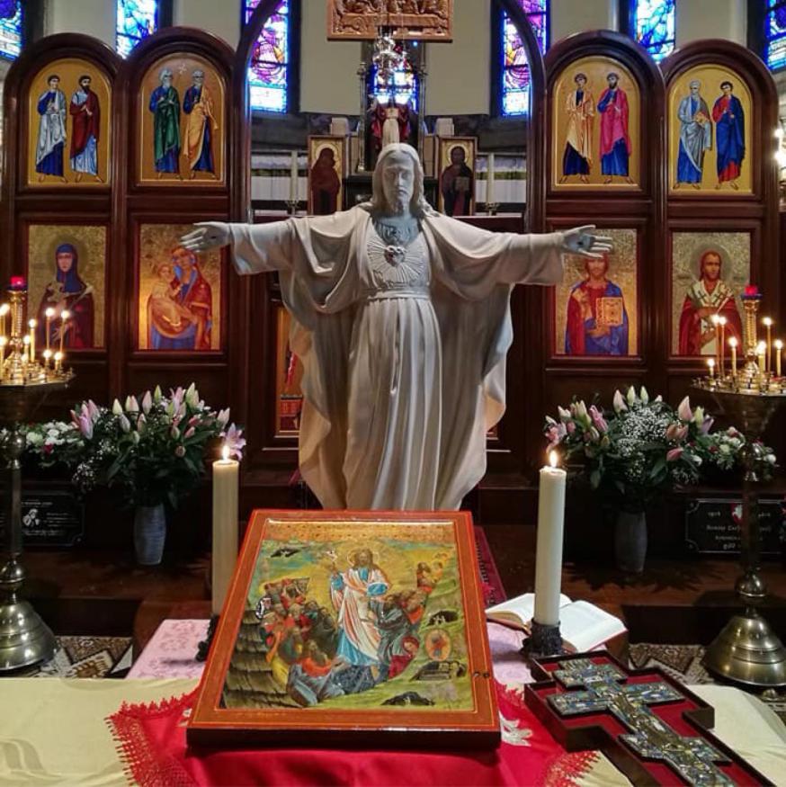 Beeld van heilig hart voor de iconostase