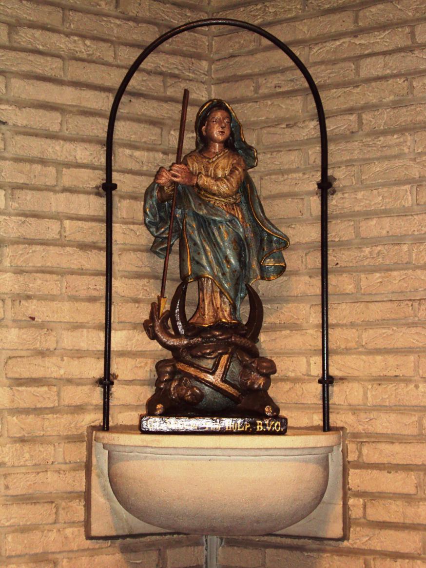 Mariabeeldje uit Putjes kapel in de weekkapel van de St.-Pieterskerk © Ksaf Hennion