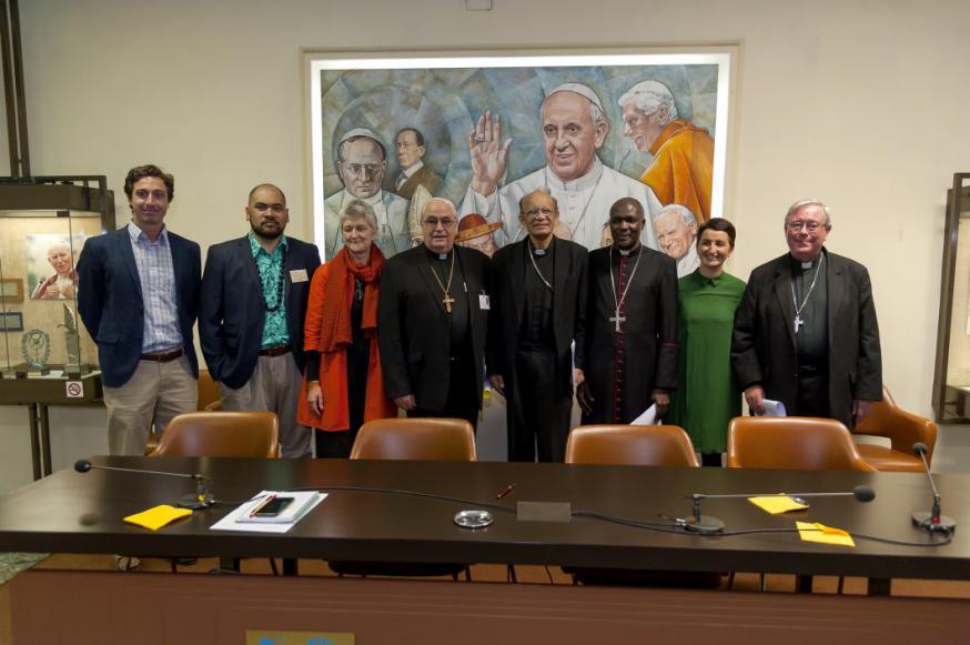 De voorzitters van de continentale bisschoppenconferenties (ook CCEE en Comece) bij de ondertekening van de oproep in Rome © Cidse