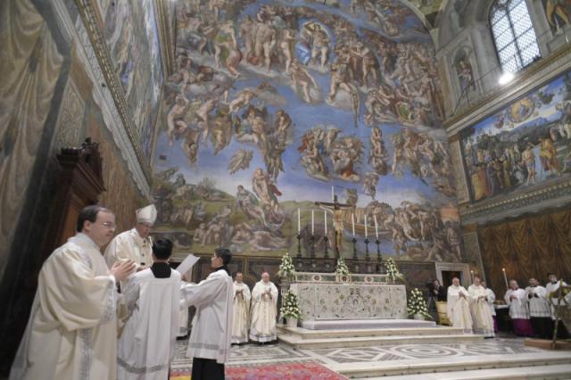 De doopplechtigheid vond plaats in de Sixtijnse Kapel © Vatican Media