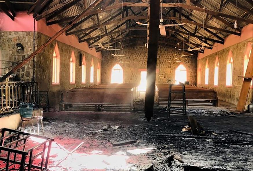 Kerkgebouw van de evangelistische Church of the Brethern van Garkida in Nigeria, dat in februari door Boko Haram aangevallen werd © Facebook