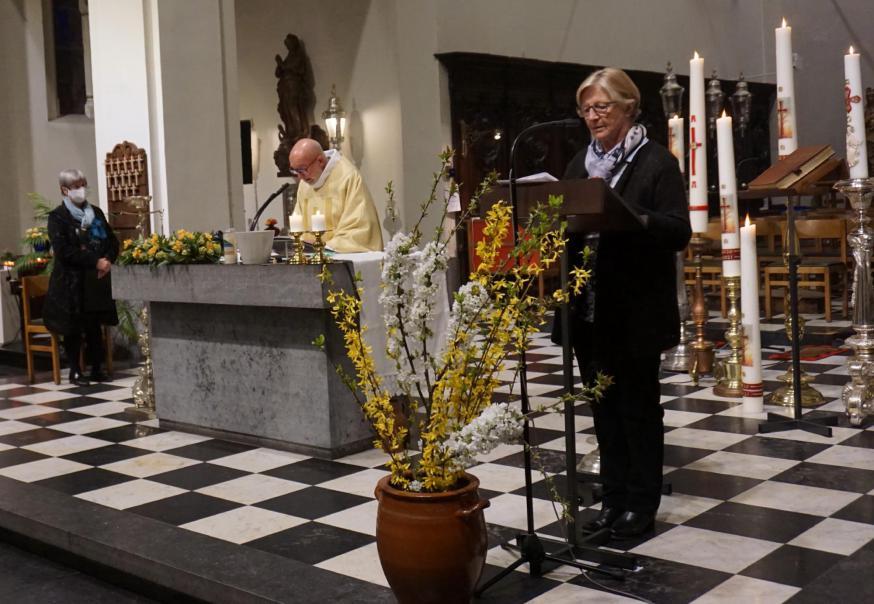 paaswake © parochie Onze-Lieve-Vrouw Lichtaart