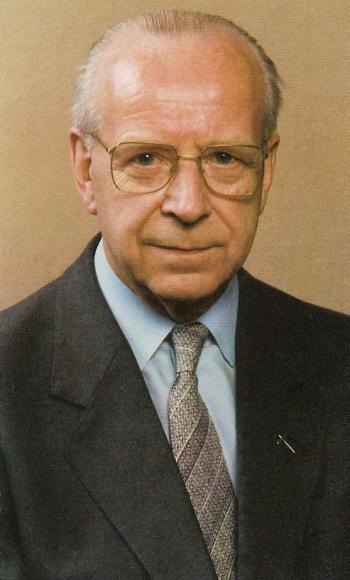 Monseigneur Robert Raes (1918-1988) Bron: doodsprentje