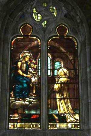 Glasraam in het kerkje van Fontaines-les-Dijon © zrs bernardinnen