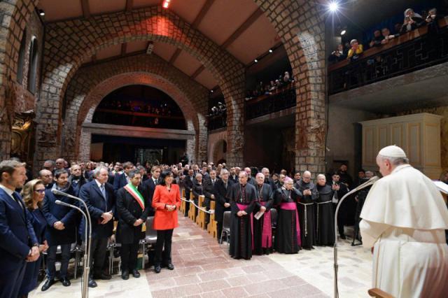 Franciscus bracht hulde aan de traditie van de kerstkribbe © Vatican Media