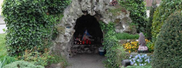 grot sint-helenasite te Sint-Gillis-Waas