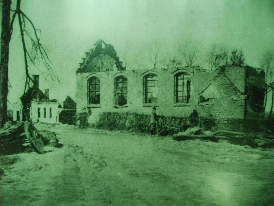 de gebombaardeerde kapel tijdens WOI