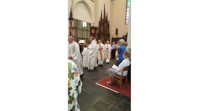 Intrede processie. © kerk in Sint-Gillis-Waas en Stekene