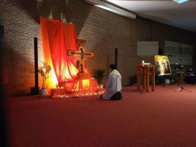 bezinning in de kapel © catechistengroep Meerdonk/De Klinge