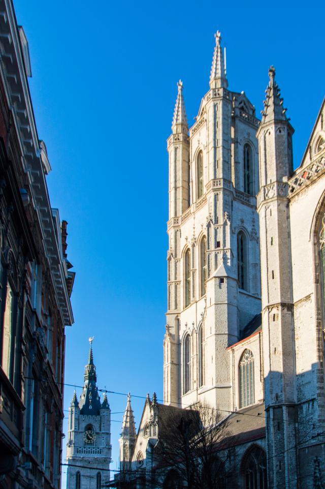 Kathedraal en belfort © Bisdom Gent, foto: Karel Van de Voorde