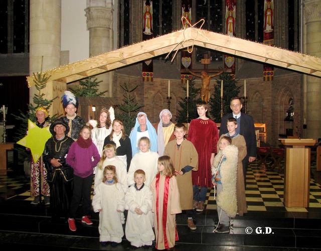 Kerstspel tijdens de kerstavondviering in Diksmuide