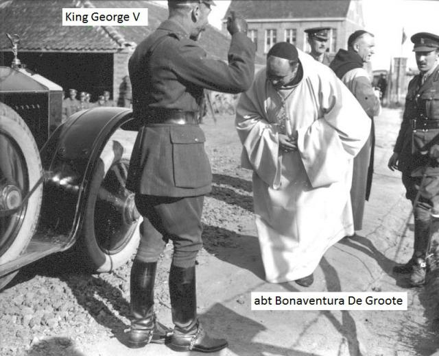 Abt Bonaventura groet koning George V, die de Britse soldaten bezoekt in en rond de Sint-Sixtusabdij van Westvleteren. © Sint-Sixtusabdij Westvleteren