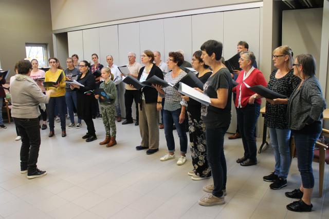 Het koor tijdens de repetitie © RvH