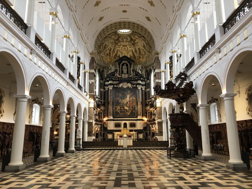 Interieurzicht van de Sint-Carolus Borromeuskerk © Olivier Lins