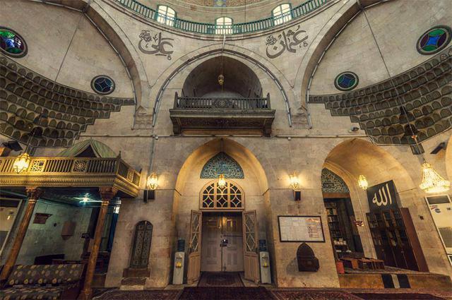 De moskee aan de binnenkant. © RR
