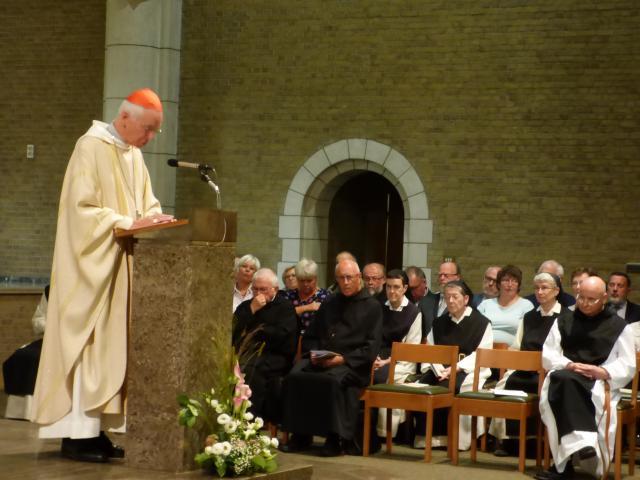 Kardinaal De Kesel gaat de eucharistie voor in de abdij Onze-Lieve-Vrouw van Nazareth in Brecht. © Abdij Brecht