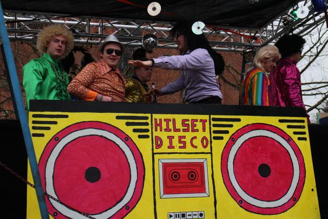 De Chirojongens bij hun discobar © RvH