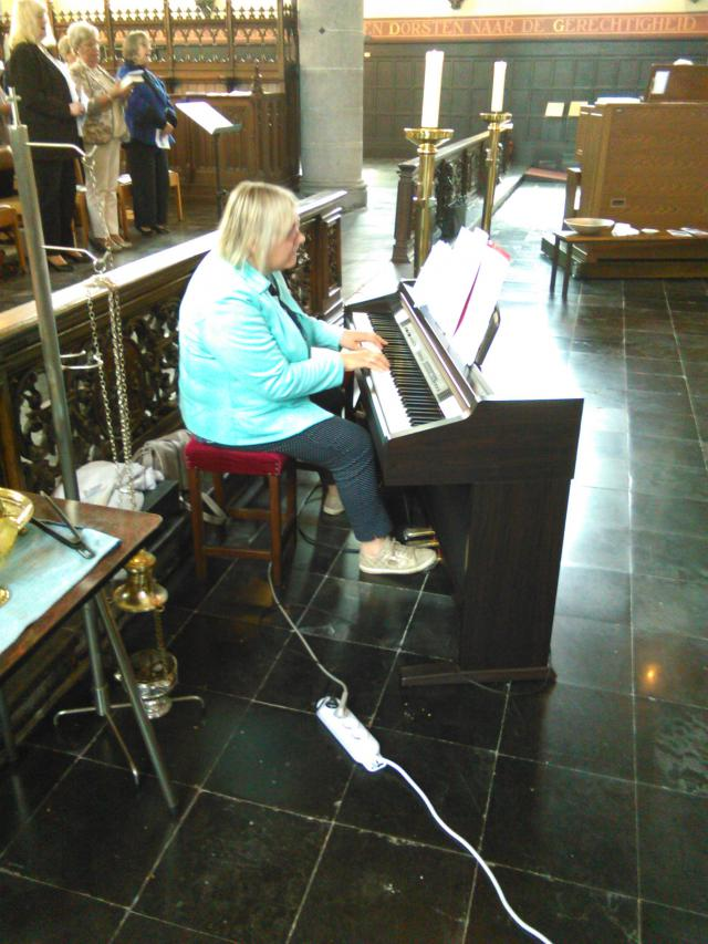 Nadia aan de piano