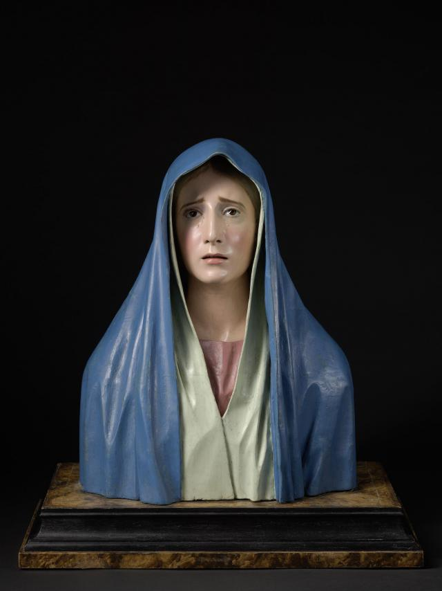 Detail van : Pedro de Mena, Mater Dolorosa, c. 1680, Polychrome wood with reverse painted glass eyes, 49 x 39 x 22 cm MNHA, Luxemburg (on loan from a private collection), inv. 2016-D009/002  © © Dominique Provost