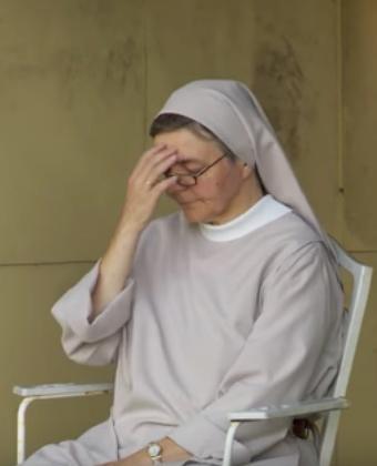Zuster Ria, benedictines van O.L.V.-priorij in Loppem © Videostill 'Koorddansers gezocht'