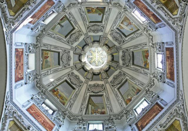Salzburger Dom in Oostenrijk © Pixabay