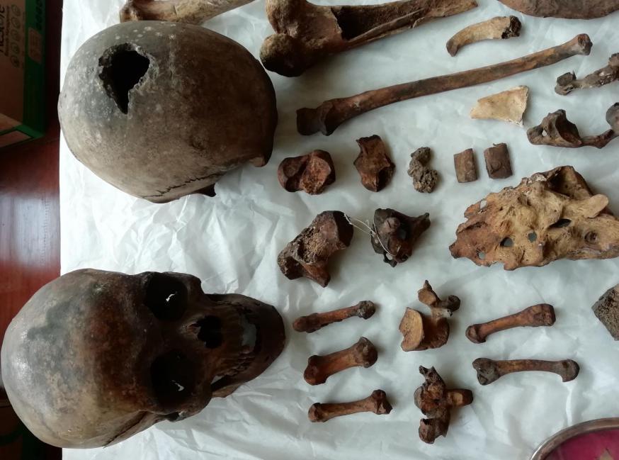 De schedels en beenderen van de Welsche priesters Philip Evans en John Lloyd © Jesuit Collections
