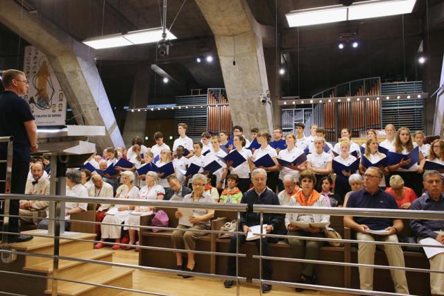 Eén van de eucharistievieringen in Lourdes voorgegaan door Mgr. Johan Bonny © Lourdesbedevaart Antwerpen