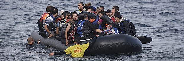 Vluchtelingen op de Middellandse Zee © Malcolm Chapman (shutterstock)