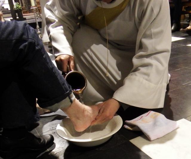 voetwassing op Witte Donderdag © Parochie in Assenede-Evergem-Zelzate