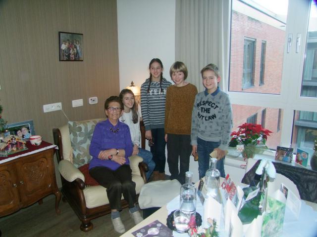 kerststukjes voor bewoners van WZC Zilverbos Zelzate